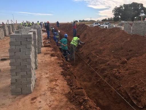 B9 excavating midblock for service installation